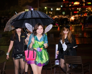 Okinawa Oct 2013, Mihama Halloween, happy fairy and her escorts