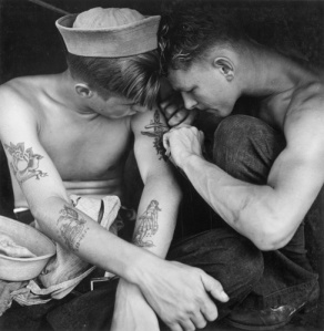 What kept sailors' hats on in the 1940s??