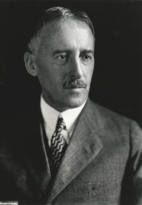 Henry_Stimson,_Harris_&_Ewing_bw_photo_portrait,_1929
