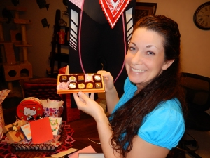 Okinawa White Day 2014, Jody models her Japanese white day chocolates