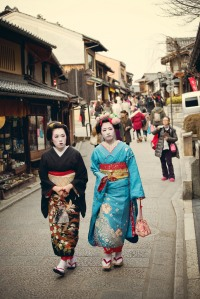 I'm pretty sure this Geisha and Maiko are the real deal.