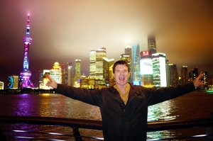 China 2014, Shanghai, The Bund, Kevin amazed by the cityscape