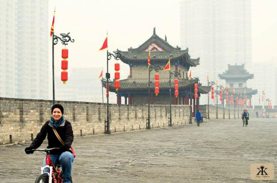 China 2014, Xian, Jody bikes the city wall early smoggy morning 2 WM