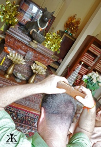 Cambodia 2015, Phnom Penh, Silver Pagoda Buddha's Tripitaka, Kevin picking another fortune WM