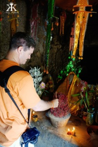 Cambodia 2015, Ta Prohm & Yeay Peau, incense for Buddha WM