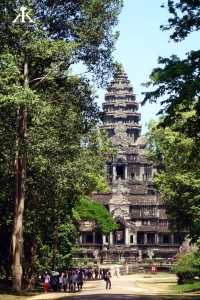 Cambodia 2015, Angkor Wat, tower through the trees WM