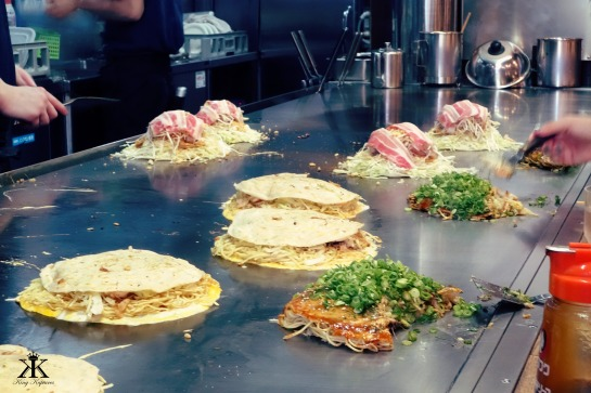 Hiroshima 2015, Okonomiyaki, grilled deliciousness WM