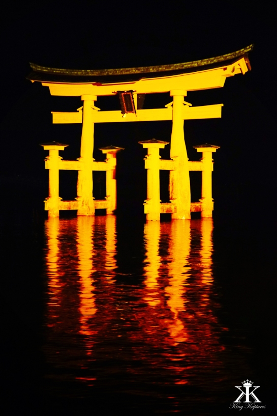Miayjima 2015, Itsukushima Shrine, glowing floating torii at night WM