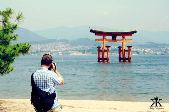 Miyajima 2015, Itsukushima Shrine, shooting the floating Torii WM