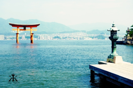 Miyajima 2015, Itsukushima Shrine, torii gate to the shrine WM