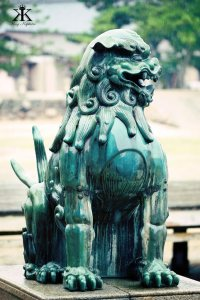 Miyajima 2015, Itsukushima Shrine, protective foo dog 2 WM