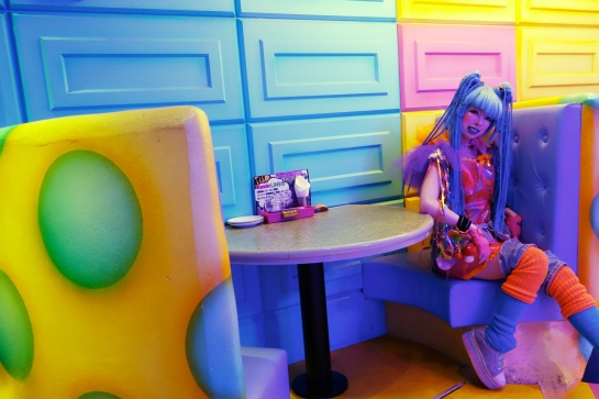 tokyo-2016-kawaii-monster-cafe-one-of-the-monster-hostesses