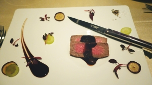 tokyo-2016-dinner-at-ars-delicious-kobe-beef-with-a-fancy-knife