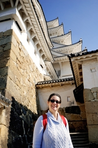 kobe-2016-himeji-jo-castle-jody-smiles-at-the-castle